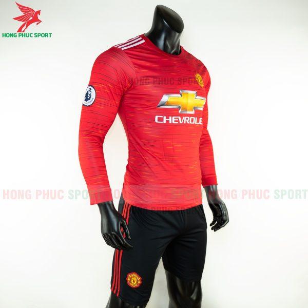 ao-dai-tay-Manchester-united-2020-san-nha-4