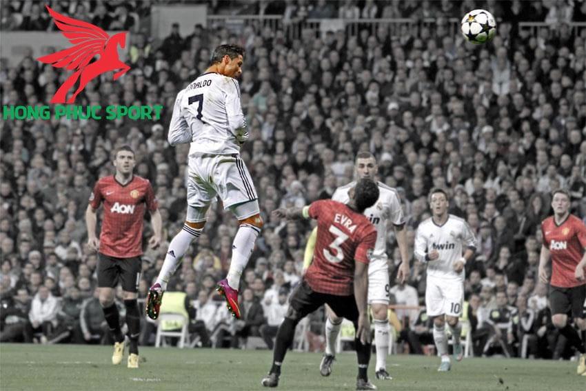 kha-nang-bat-nhay-an-tuong-cua-Ronaldo