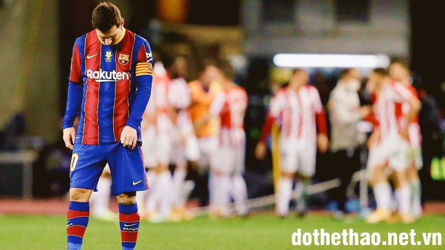 Lionel-Messi-nhan-an-phat-sau-the-do-truc-tiep