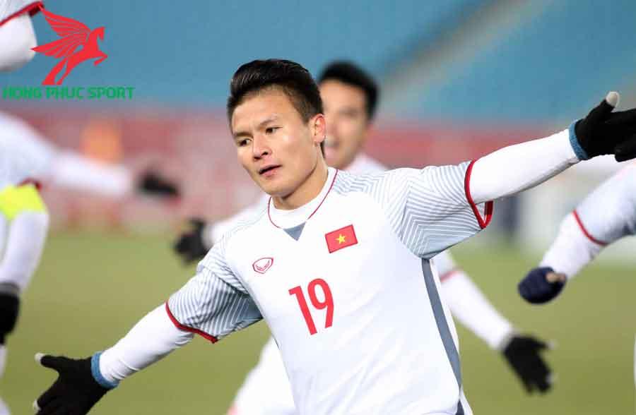 Muc-luong-cua-cau-thu-Quang-Hai