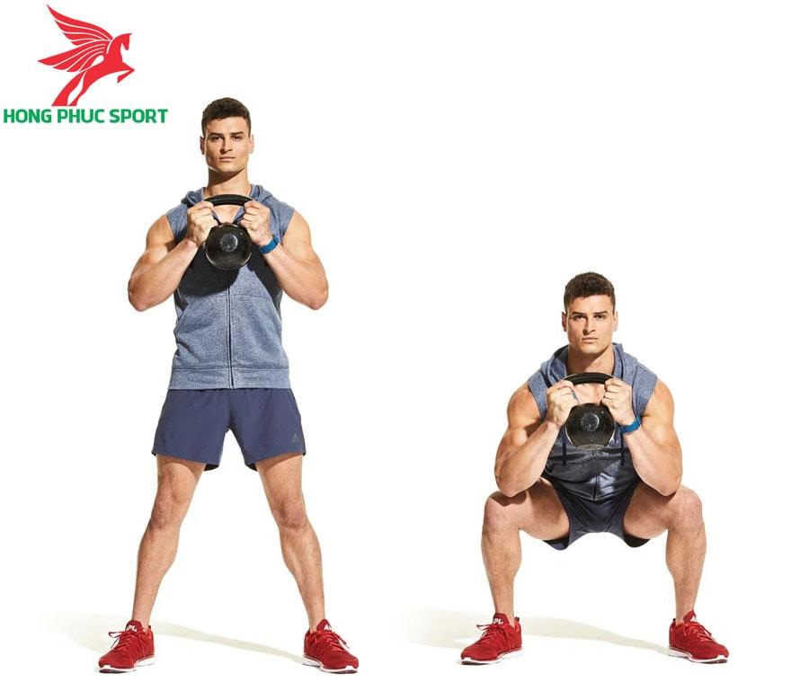 Bai-tap-the-luc-bong-da-goblet-squat