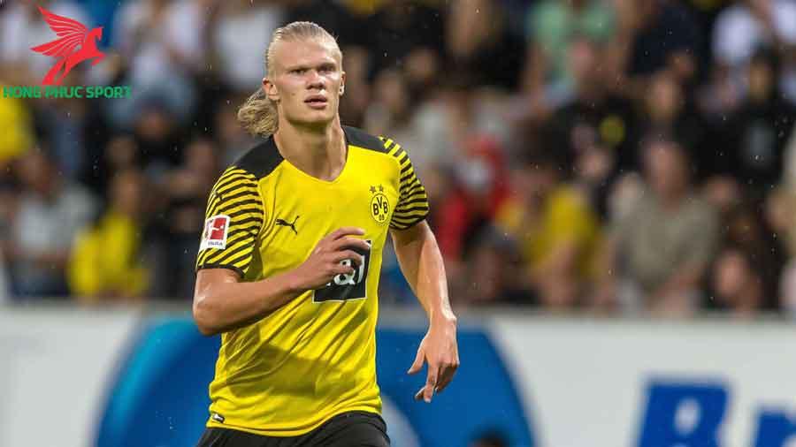 Haaland-toa-sang-trong-tran-Dortmund-Eintracht-Frankfurt