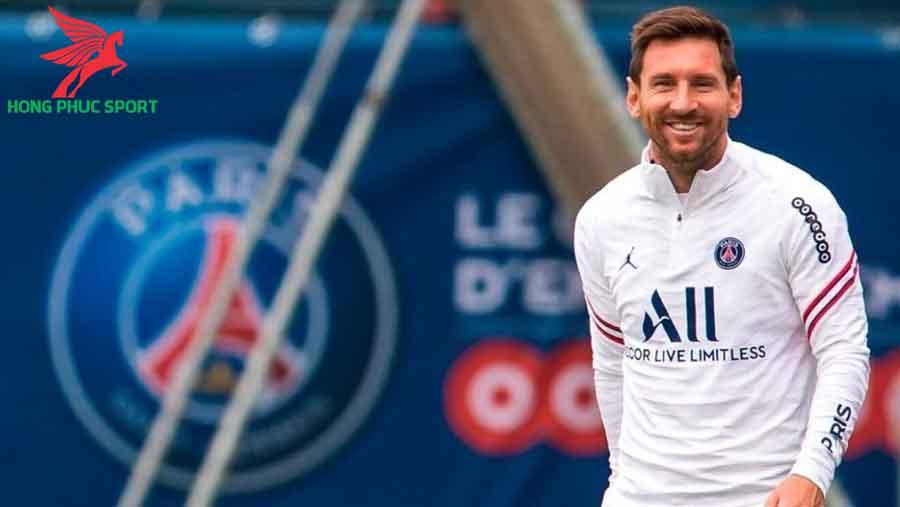 Messi-chuan-bi-ra-mat-PSG